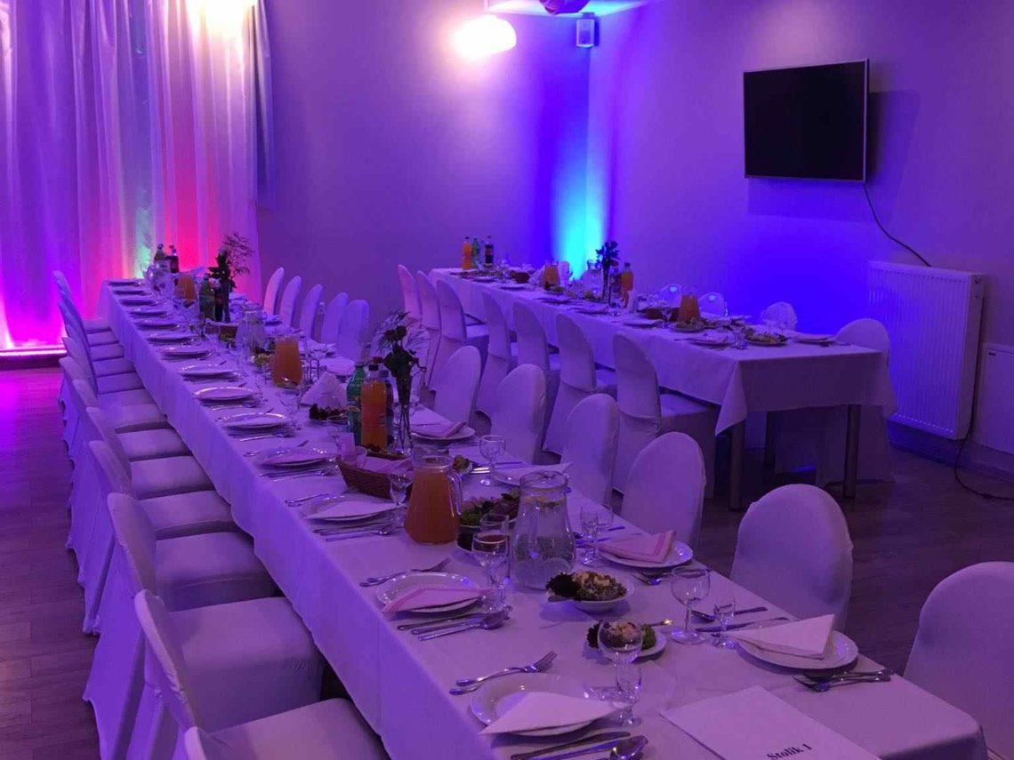 Sala Bankietowa u Błażeja - przyjęcia, wesela, noclegi, catering - Drzewce Kolonia, w pobliżu Nałęczowa (stoły)